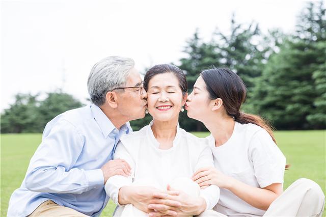 纽瑞优:重阳节,除了陪伴,该如呵护他们的健康