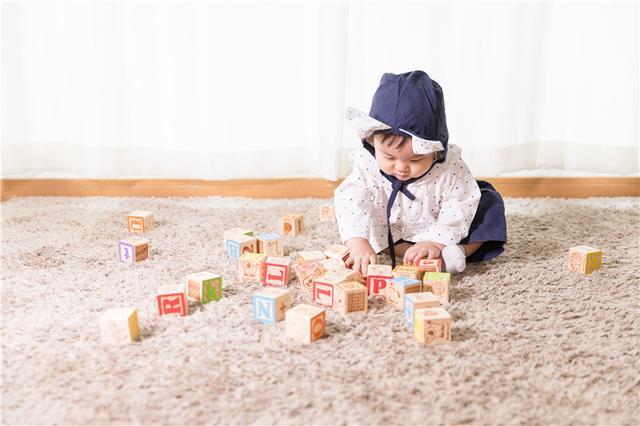 大脑发育黄金期,纽瑞优燕窝酸乳铁蛋白给宝宝满满的爱